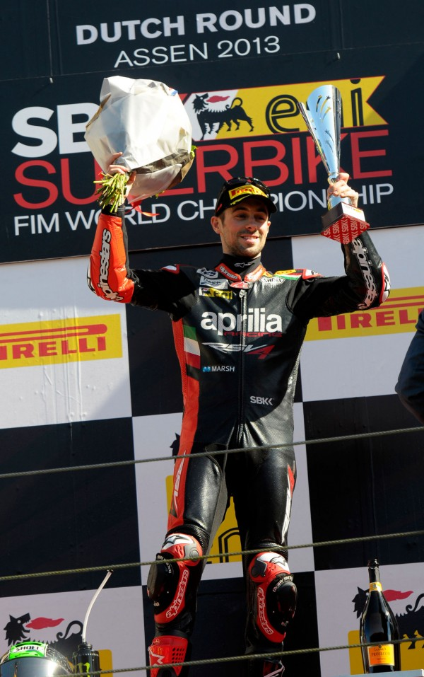 1.ApriliaRacing_Laverty_Assen_podium