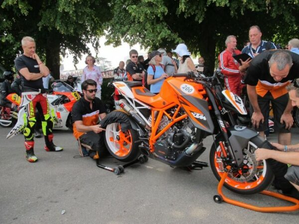 ktm-1290-superduke-at-2013-goodwood_jpg_650