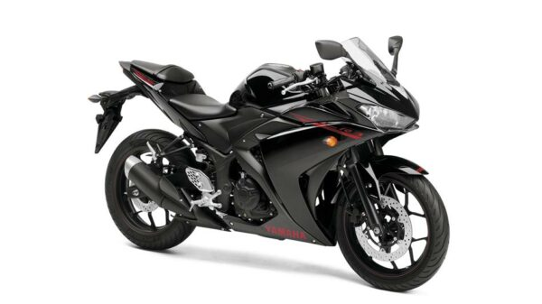 2015-Yamaha-YZF-R320-EU-Midnight-Black-Studio-001