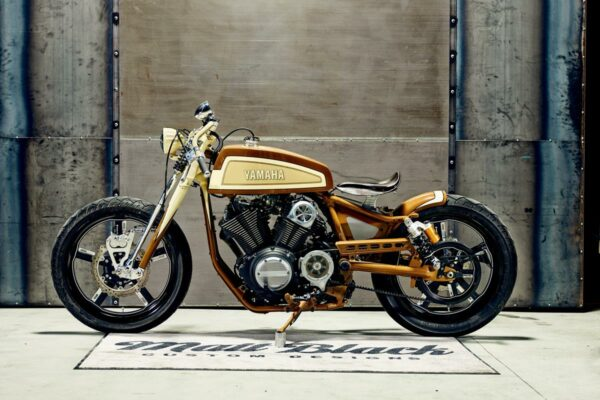 2015_YAM_YBXV950PLAYADELR_EU_CUSTOM_STAT_002