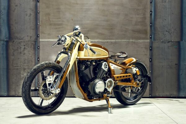 2015_YAM_YBXV950PLAYADELR_EU_CUSTOM_STAT_003