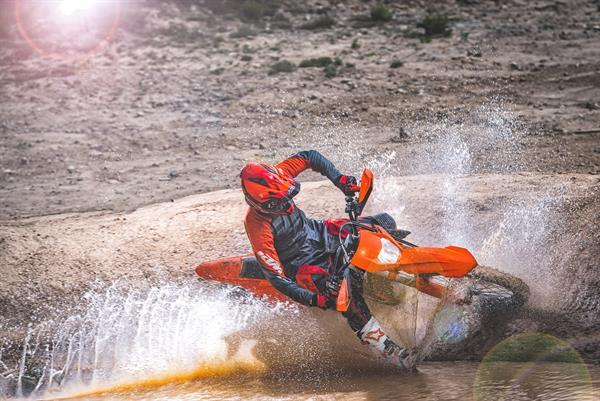 KTM_EXC MY 2017_Action 07