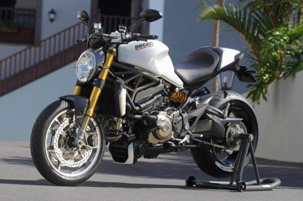 12-2014-ducati-monster-1200-s-fr-1
