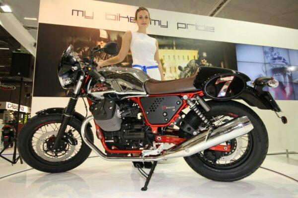 01_MotoGuzzi_V7II_Racer