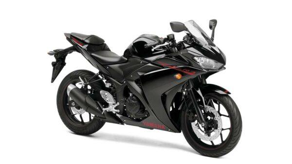 2015-Yamaha-YZF-R320-EU-Midnight-Black-Studio-001