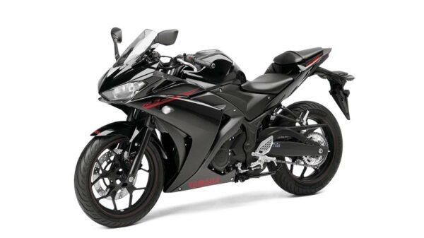 2015-Yamaha-YZF-R320-EU-Midnight-Black-Studio-007