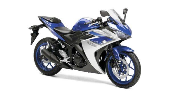 2015-Yamaha-YZF-R320-EU-Race-Blu-Studio-001