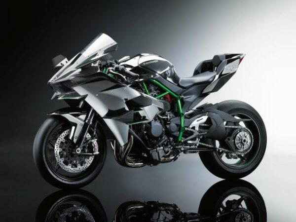 23-Kawasaki-Ninja-H2+H2R