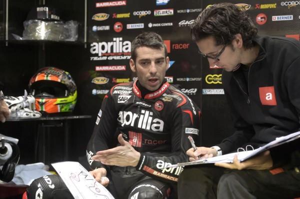 4 Aprilia Racing Melandri