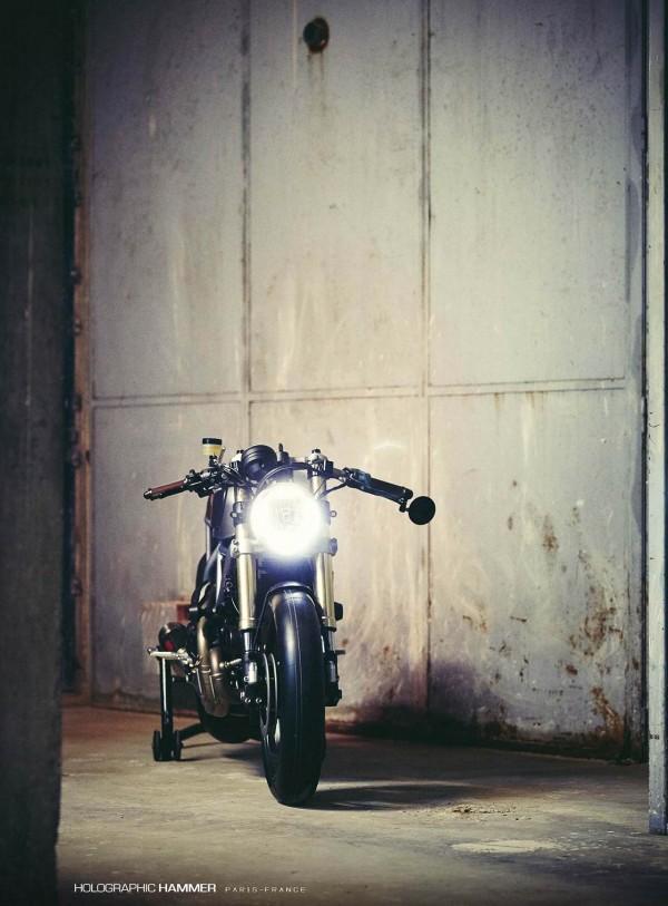 Holographic-Hammer-Ducati-Scrambler-Hero-01-fanale