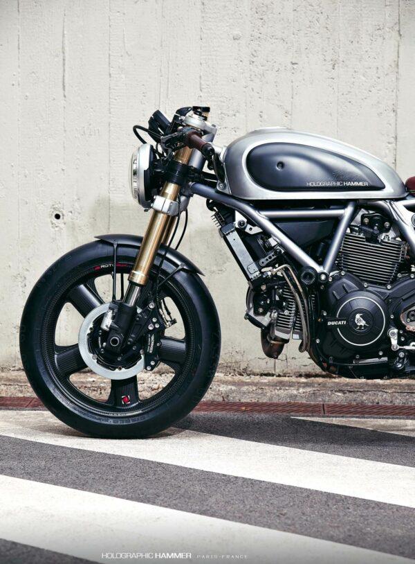 Holographic-Hammer-Ducati-Scrambler-Hero-01-fronte