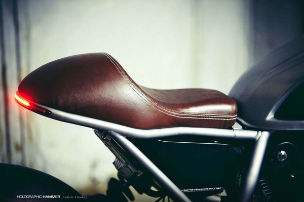 Holographic-Hammer-Ducati-Scrambler-Hero-01-sellino