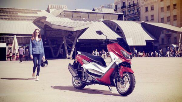 2015-Yamaha-G125YM-EU-Power-Red-Static-003