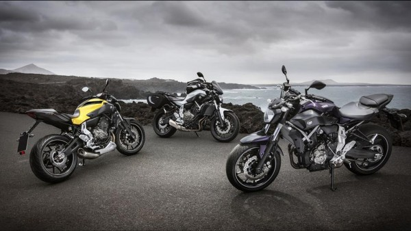 2015-Yamaha-MT-07-EU-Extreme-Yellow-AccessorizedStatic-002