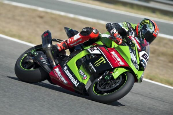 kawasaki-racing-team-jerez-sbk-2015-23