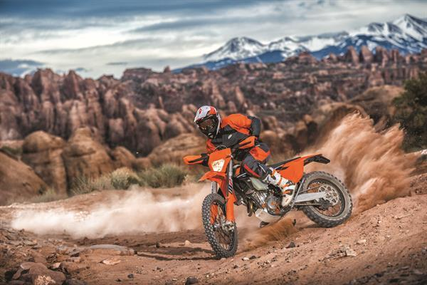 KTM_EXC MY 2017_Action 01