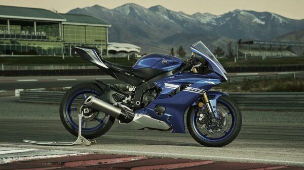 2017-yamaha-yzf-r6-eu-race-blu-static-003